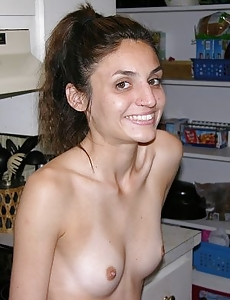 Amateur Italian Babe Modeling Nude And Spreading Her Ass