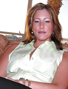 Hot Amateur Milf Models Bare & Acquires Screwed Firm